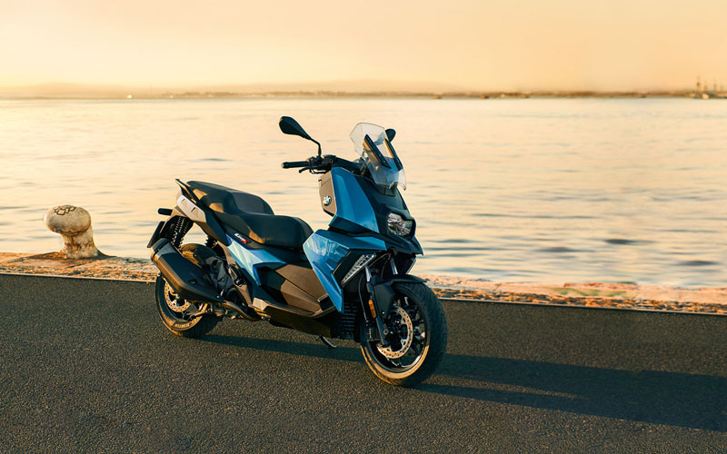 2018 BMW C 400 X in Sarasota, Florida - Photo 2