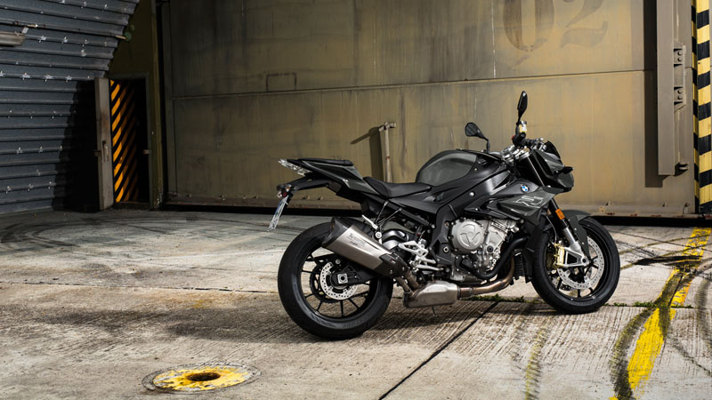 2019 BMW S 1000 R in Cleveland, Ohio