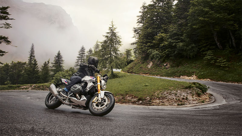 2020 BMW R 1250 R in Orange, California - Photo 2