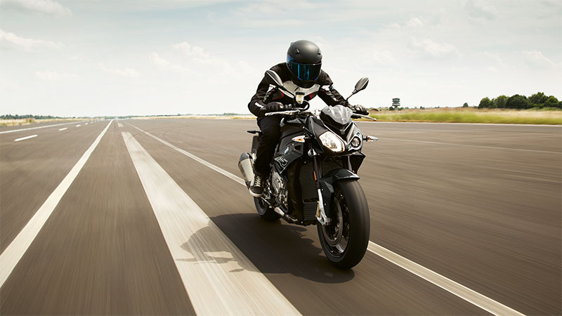 2021 BMW S 1000 R in Iowa City, Iowa - Photo 4