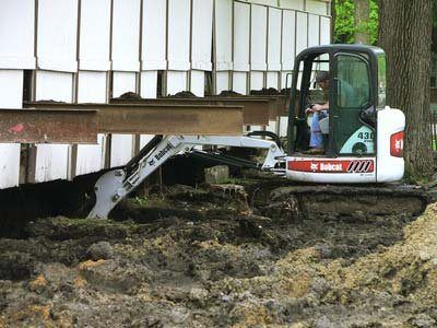 2010 Bobcat 430 in Berlin, Wisconsin - Photo 4