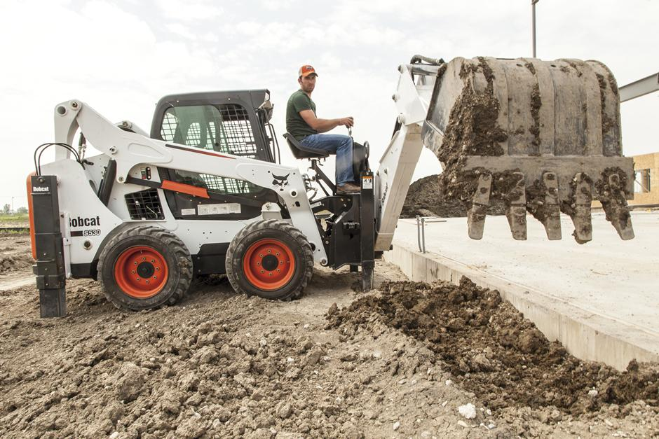 2017 Bobcat 8811 Backhoe in Fond Du Lac, Wisconsin - Photo 6