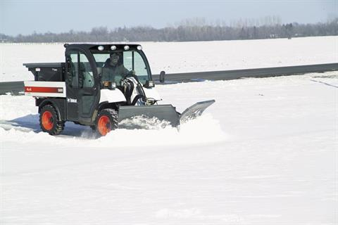 2017 Bobcat 84 in. Snow V-Blade in Fond Du Lac, Wisconsin - Photo 2