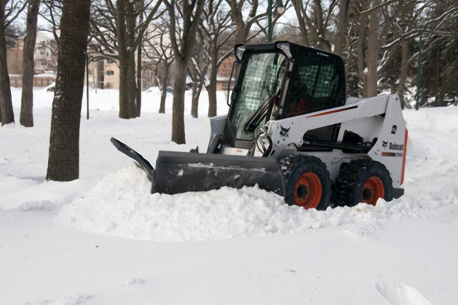2017 Bobcat 96 in. Snow V-Blade in Fond Du Lac, Wisconsin - Photo 4