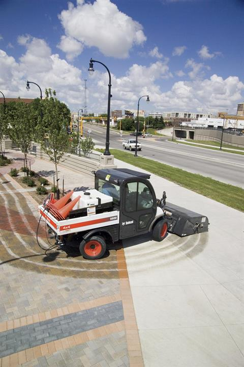 2017 Bobcat 44 in. Sweeper in Fond Du Lac, Wisconsin - Photo 3