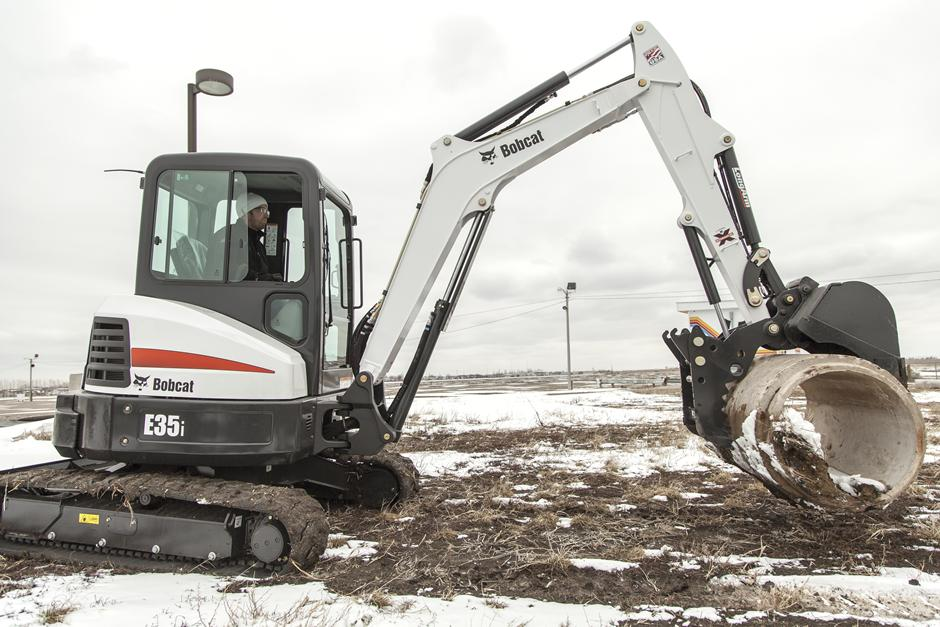 2017 Bobcat E35i T4 Extendable Arm in Fond Du Lac, Wisconsin - Photo 2