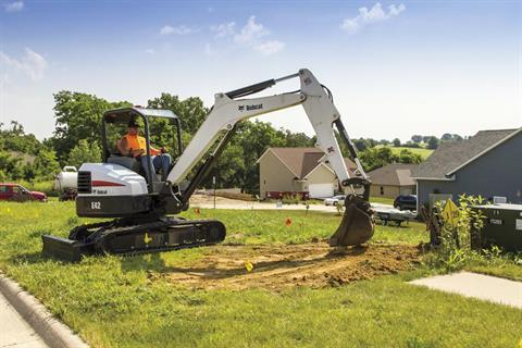 2017 Bobcat E42 T4 Extendable Arm in Fond Du Lac, Wisconsin - Photo 7