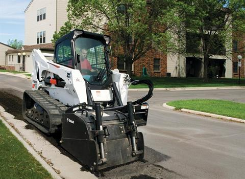 2017 Bobcat T870 in Fond Du Lac, Wisconsin