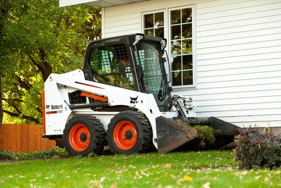 2017 Bobcat S450 in Fond Du Lac, Wisconsin - Photo 1