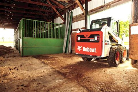 2017 Bobcat S450 in Fond Du Lac, Wisconsin - Photo 2