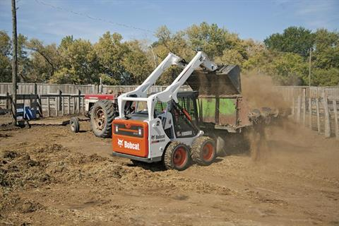 2017 Bobcat S530 in Fond Du Lac, Wisconsin - Photo 3