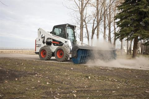 2017 Bobcat S750 in Fond Du Lac, Wisconsin - Photo 2