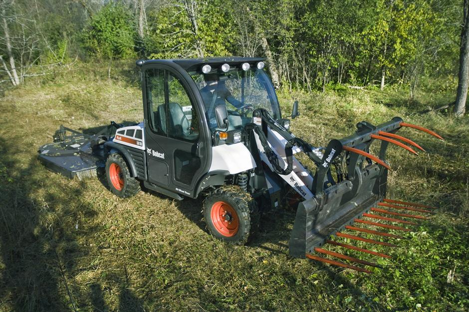 2017 Bobcat Toolcat 5610 in Fond Du Lac, Wisconsin - Photo 4