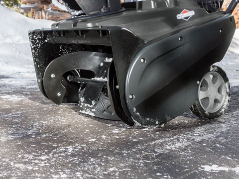 Briggs & Stratton Single-Stage Snowblower 1696727 in Okeechobee, Florida - Photo 6