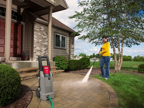 2020 Briggs & Stratton 1700 MAX PSI / 1.3 MAX GPM Pressure Washer 020654 in Prairie Du Chien, Wisconsin - Photo 5