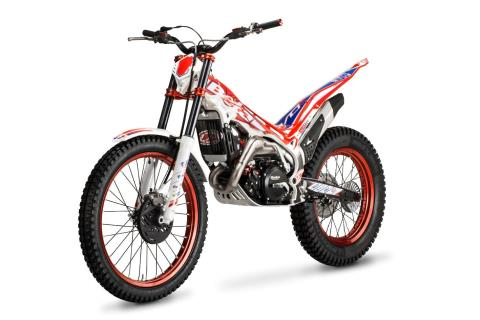2016 Beta EVO 250 Factory 2-Stroke in Cedar Falls, Iowa - Photo 2