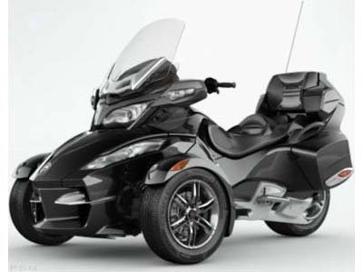 2010 Can-Am Spyder™ RT-S SE5 in Castaic, California