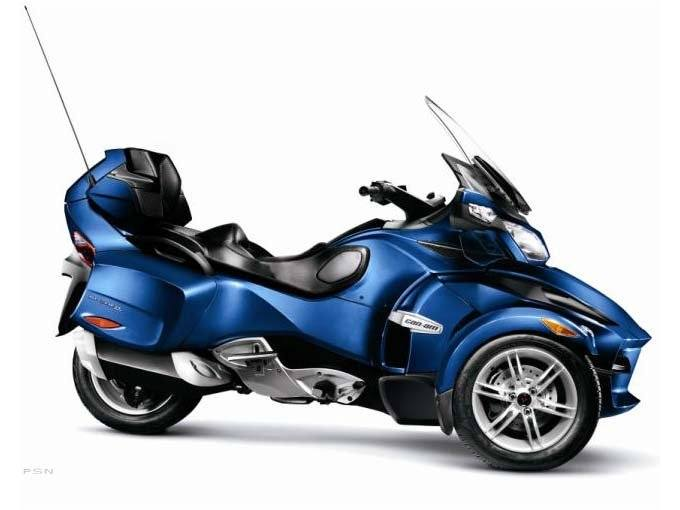 2010 Can-Am Spyder® RT Audio & Convenience SE5 in Scottsbluff, Nebraska - Photo 2