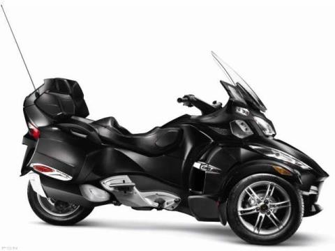 2011 Can-Am Spyder® RT-S SE5 in Greer, South Carolina