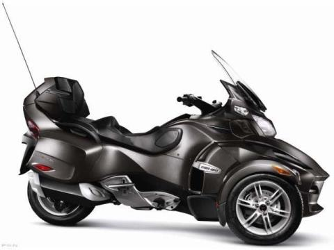 2012 Can-Am Spyder® RT Audio & Convenience SM5 in Waterbury, Connecticut