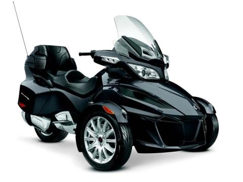 2014 Can-Am Spyder® RT SE6 in Pompano Beach, Florida