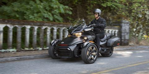 2016 Can-Am Spyder F3-T SM6 w/ Audio System in Grantville, Pennsylvania