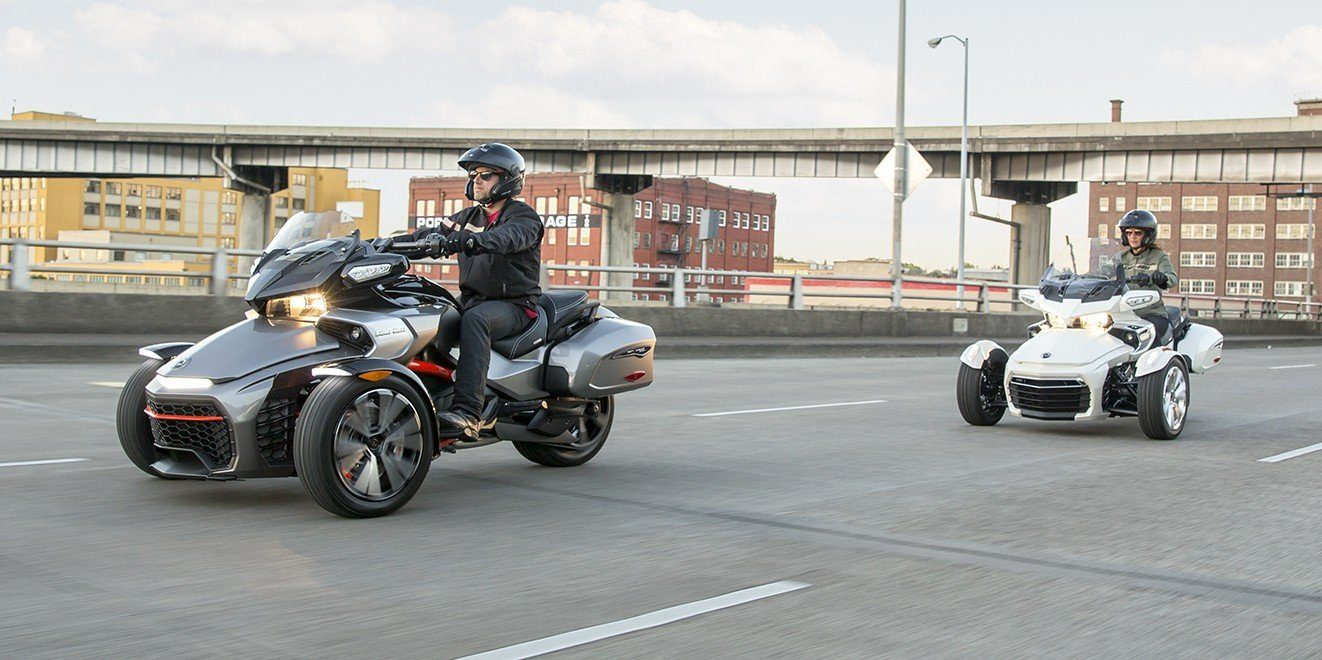 2016 Can-Am Spyder F3 Limited in Roscoe, Illinois