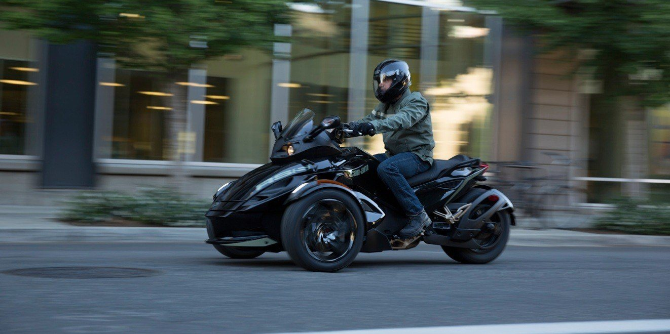 2016 Can-Am Spyder RS-S SM5 in Dickinson, North Dakota