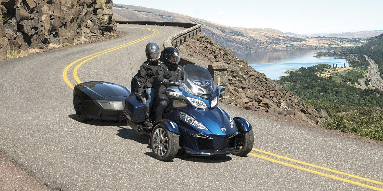 2016 Can-Am Spyder RT-S SM6 in Roscoe, Illinois