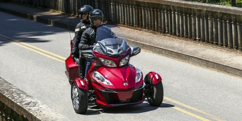 2016 Can-Am Spyder RT-S SM6 in Roscoe, Illinois - Photo 5