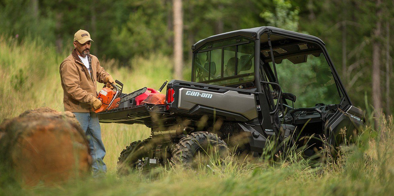 2016 Can-Am Defender XT CAB HD10 in Roscoe, Illinois