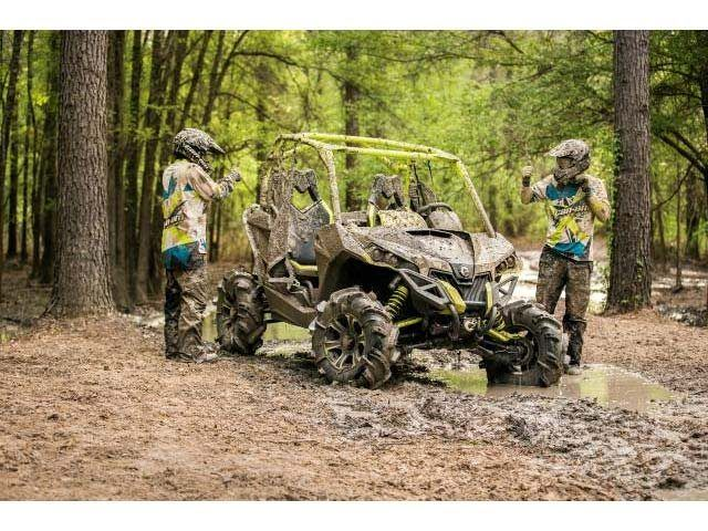 2016 Can-Am™ Maverick X mr 2