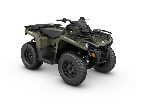 2017 Can-Am Outlander 570 in Land O Lakes, Wisconsin