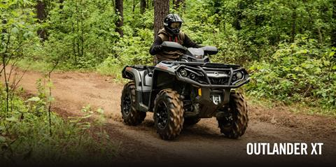2017 Can-Am Outlander MAX XT 570 in Bennington, Vermont