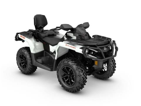 2017 Can-Am Outlander MAX XT 650 in Colebrook, New Hampshire