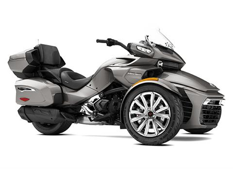 2017 Can-Am Spyder F3 Limited in Chippewa Falls, Wisconsin