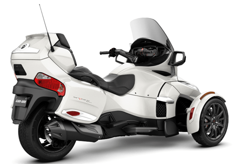 2017 Can-Am Spyder RT-S in Oakdale, New York