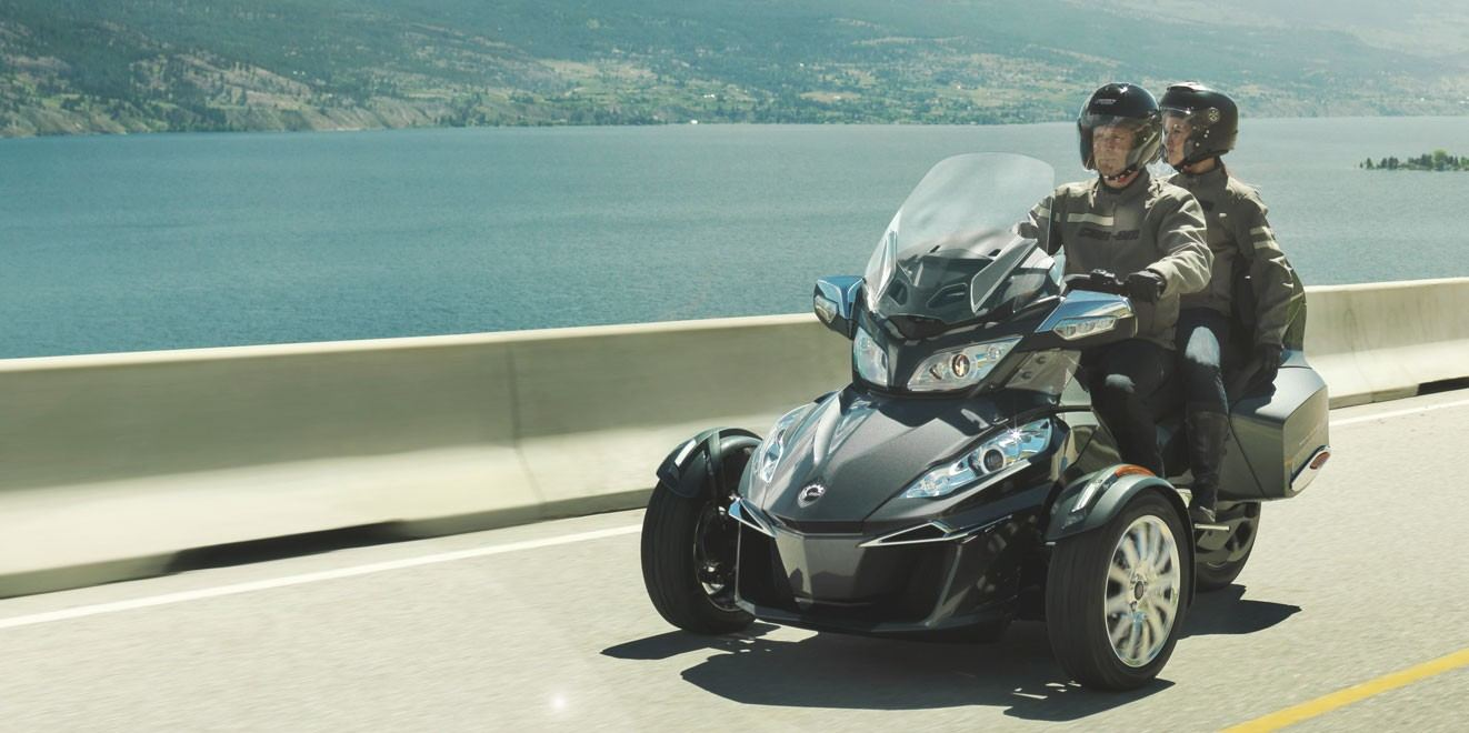2017 Can-Am Spyder RT Limited in Pompano Beach, Florida