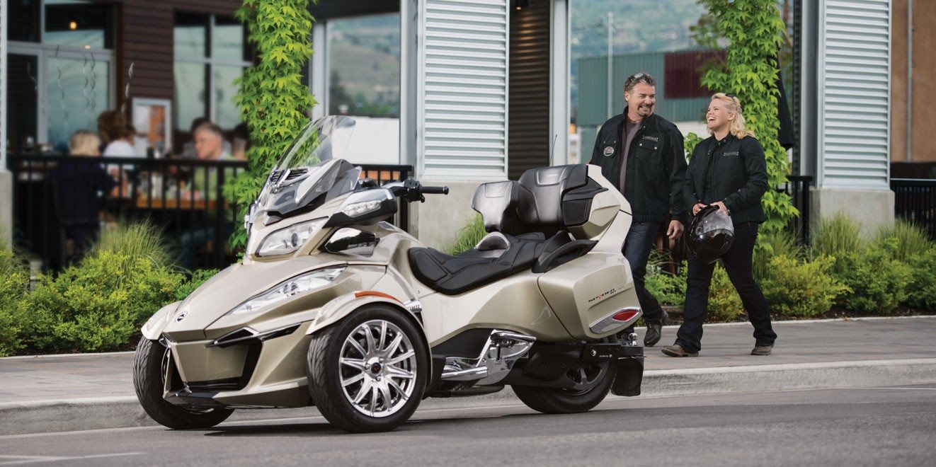 2017 Can-Am Spyder RT SE6 in Conway, New Hampshire