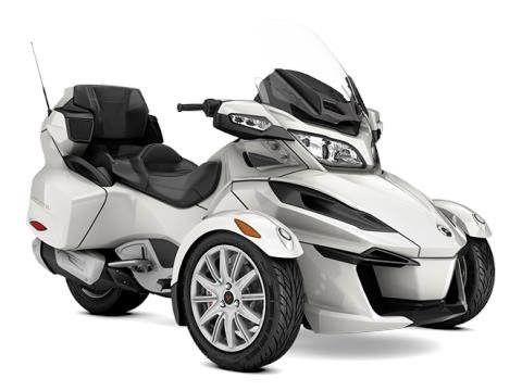 2017 Can-Am Spyder RT SM6 in Augusta, Maine