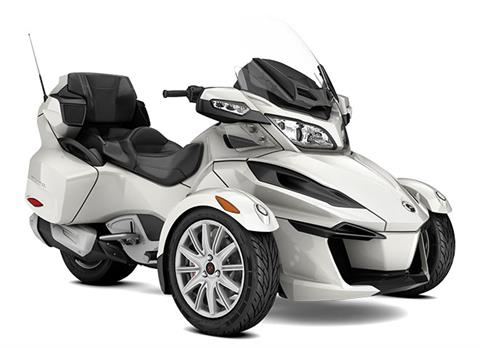 2017 Can-Am Spyder RT SM6 in Albemarle, North Carolina