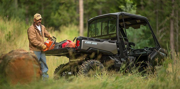 2017 Can-Am Defender Mossy Oak Hunting Edition HD10 in Tyrone, Pennsylvania