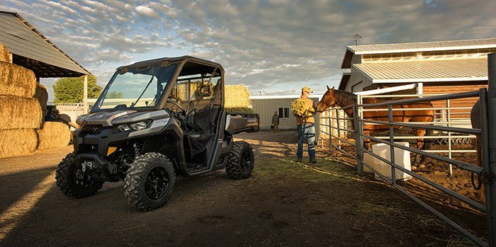 2017 Can-Am Defender XT CAB HD10 in Wasilla, Alaska