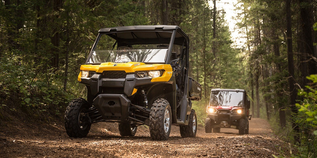 2017 Can-Am Defender XT CAB HD10 in Franklin, Ohio