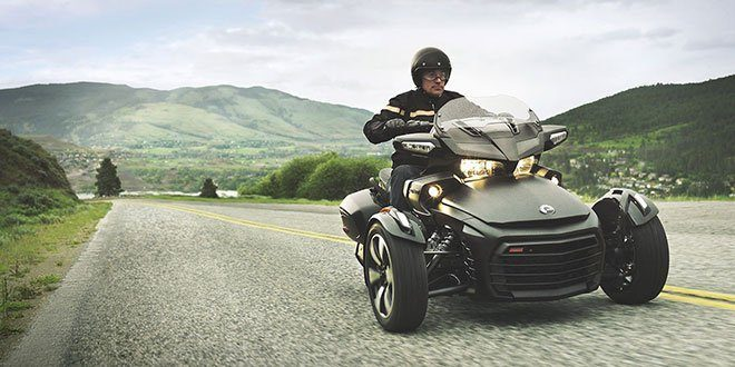 2018 Can-Am Spyder F3-T in Hollister, California