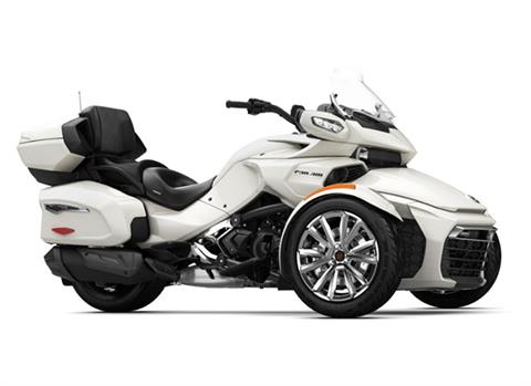 2018 Can-Am Spyder F3 Limited in Antigo, Wisconsin