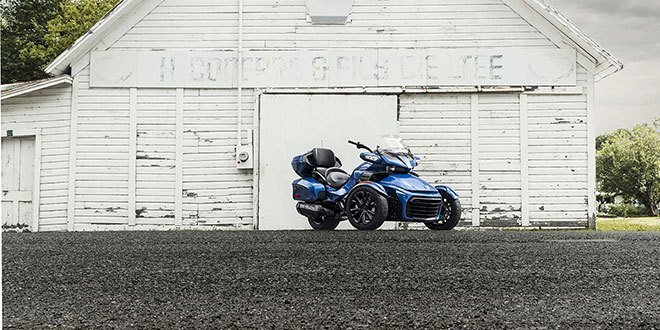 2018 Can-Am Spyder F3 Limited in Charleston, Illinois