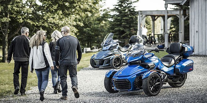 2018 Can-Am Spyder RT Limited in Hollister, California