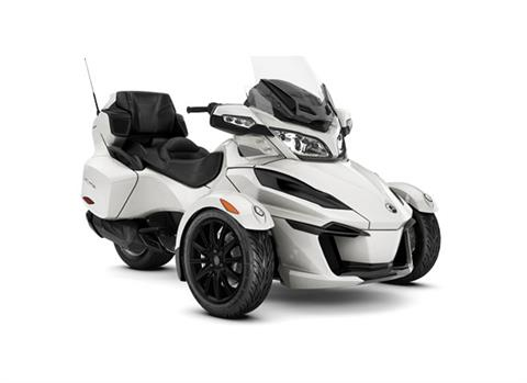 2018 Can-Am Spyder RT SE6 in Barre, Massachusetts