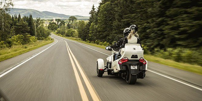 2018 Can-Am Spyder RT SE6 in Derby, Vermont